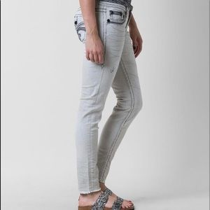 ROCK AND REVIVAL CELINDA ANKLE SKINNY JEANS